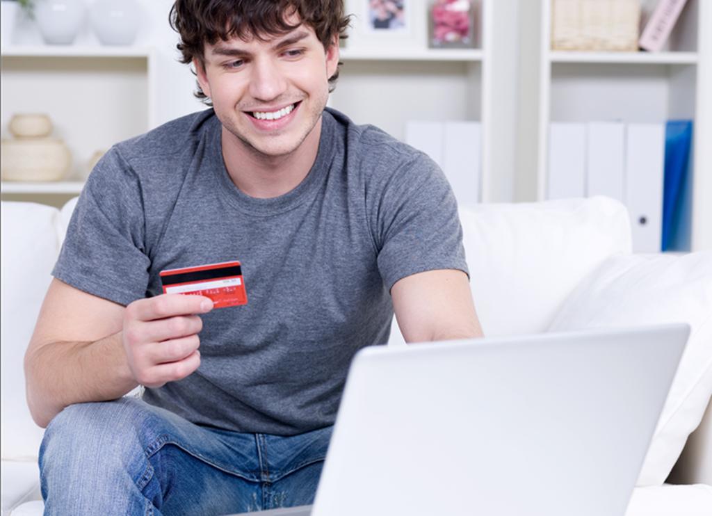 Реально ли получить займ на карту не выходя из дома?